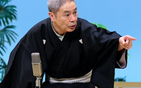 立川談志直伝の「ねずみ穴」を力演した桂福団治=大西 二士男撮影