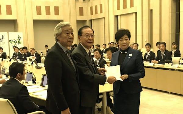 市町村の代表も災害対策関連で小池知事に要望した(都庁)