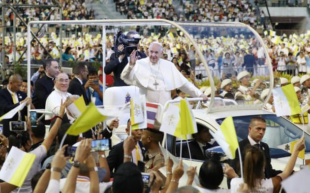 ローマ教皇がバンコクでミサ
