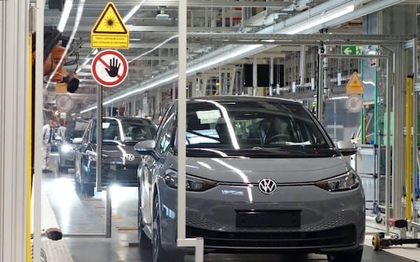 VWはEV「ID.3」の生産でCO2の純排出をゼロにする(独東部ツウィッカウ工場)