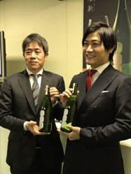 日本酒「これあらた」をPRする喜多整・喜多酒造社長(左)とジーリーの吉田皓一社長(右)