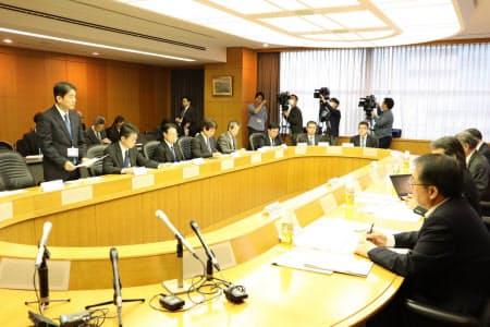 千葉県は災害対応検証会議の初会合を開いた(22日、千葉県庁)