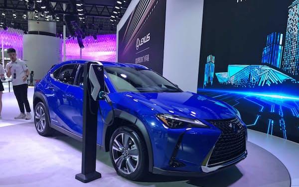 トヨタの高級ブランド「レクサス」が発表した初のEV(22日、広州モーターショー)