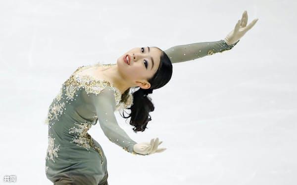 女子フリー 演技する紀平梨花(23日、真駒内セキスイハイムアイスアリーナ)=共同