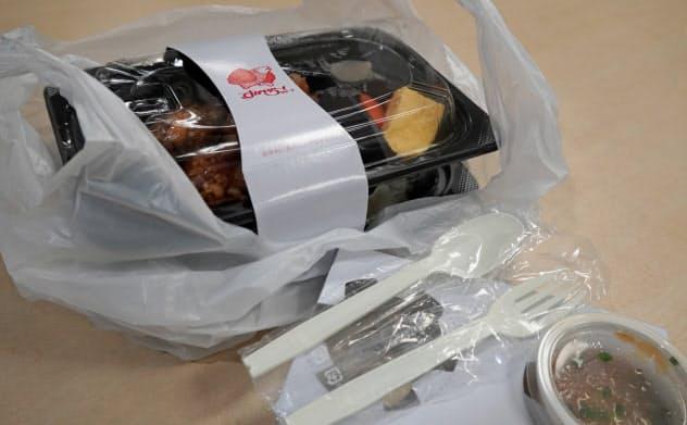 すかいらーくHDは現在はプラスチック製品を使っているレジ袋、容器などをバイオマス製に切り替える