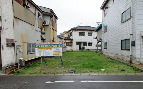 補助金を適用する、寄付を受けた空き家を解体した分譲地(鶴岡市)