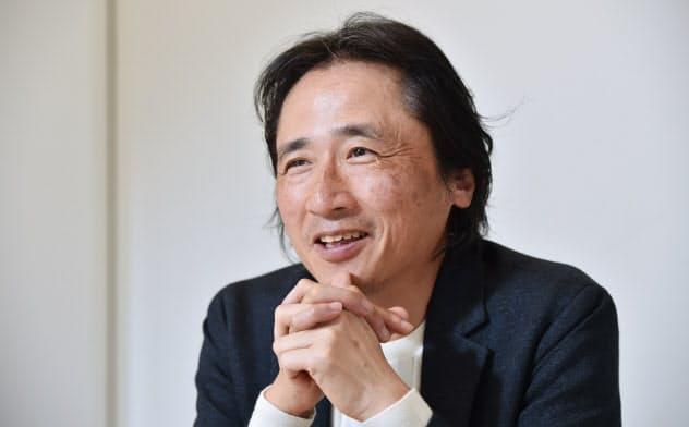 おか・たかひろ 1961年大阪府生まれ。85年に関西学院大商卒。98年に夢展望の前身企業を創業。2013年東証マザーズ上場、15年に持ち株をライザップグループに売却。16年に日本スタートアップ支援協会を設立し起業家の育成に乗り出す。