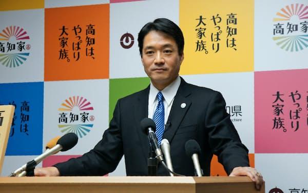 「さよなら会見」で3期12年を振り返る尾崎正直高知県知事(26日午後、高知県庁)