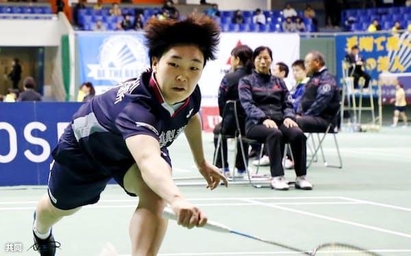 女子シングルス1回戦で勝利した山口茜(27日、駒沢体育館)=共同