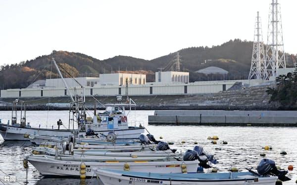 東北電力女川原子力発電所は再稼働に向けて防潮堤のかさ上げなど安全対策を強化する