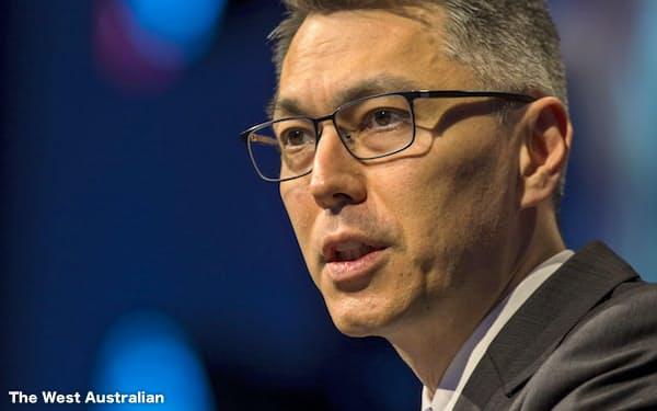 講演するマイク・ヘンリーBHP次期最高経営責任者(CEO)=ウエスト・オーストラリアン提供