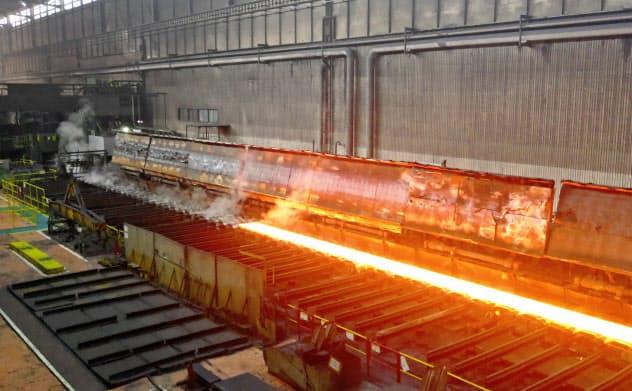 鉄鋼メーカーは設備の改修に多額の費用がかかる(JFEスチール西日本製鉄所福山地区)