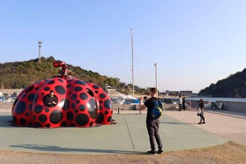 瀬戸内国際芸術祭の会期外も島々を楽しんでもらう(香川県・直島)