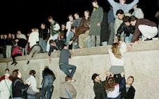 ベルリンの壁崩壊30年、自由と民主主義に危機再び