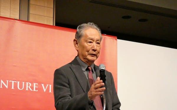スタートアップ支援のプロジェクトの開始を宣言する出井氏(29日、東京都港区)