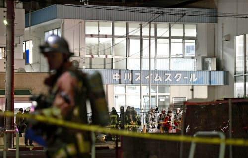 「ガスが発生した」との通報があったスイミングスクール(29日午後、名古屋市中川区)=共同