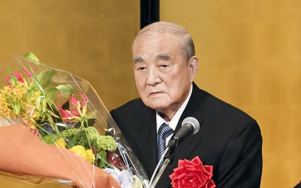 白寿を祝う会に出席した中曽根元首相(2017年5月、東京都千代田区)