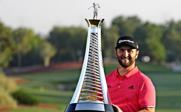 ジョン・ラームはDPワールドツアー選手権ドバイを制し、欧州年間王者に輝いた=AP
