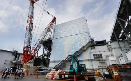 廃炉作業が続く福島第1原発の2号機(2月、福島県大熊町)