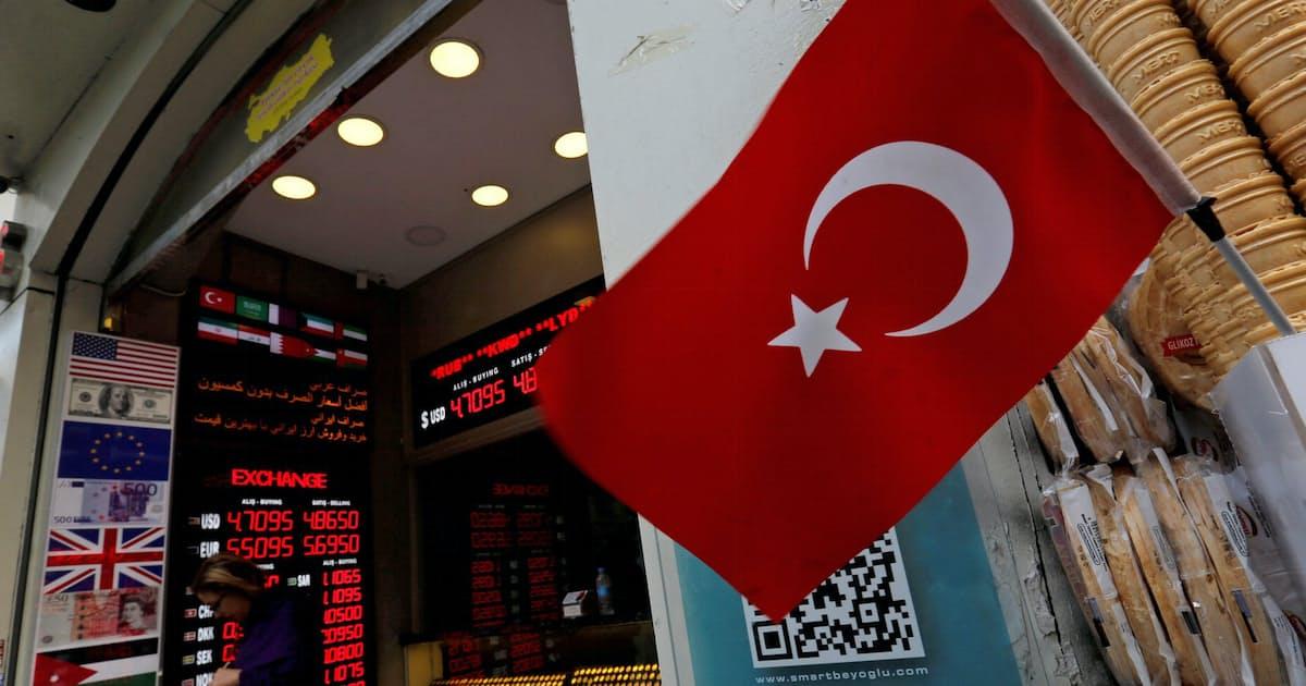 トルコ当局、操縦士ら7人拘束 逃亡に関与か(写真=ロイター)