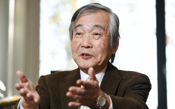 たちばなき・としあき 1943年兵庫県生まれ。小樽商科大卒、大阪大学大学院、米ジョンズ・ホプキンス大学大学院修了。京都大、同志社大教授や経済企画庁(現内閣府)客員主任研究官を歴任。現在、京都女子大客員教授、京都大名誉教授。