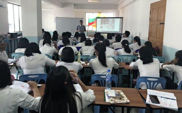 ライクは外国人人材が活躍できる場の拡大を見据え、ミャンマーなど海外で介護人材の研修を始めた