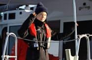 スペインで始まったCOP25参加を目指し、米国からヨットで大西洋を横断、ポルトガルのリスボンに到着したグレタ・トゥンベリさん=ロイター