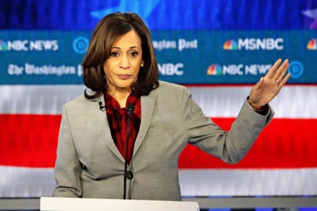 ハリス上院議員は「女性版オバマ」の異名をとる有力候補だった=AP