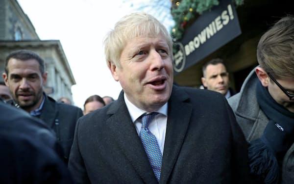 選挙遊説でソールズベリーを訪れたジョンソン英首相=ロイター