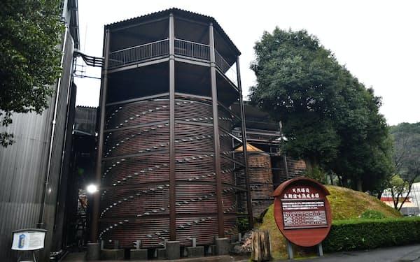 直径9メートル、高さ9メートル、容量540キロリットルの木樽は、ギネスブックに世界最大と認定された(大分県臼杵市)