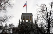 2人の外交官が追放されたベルリンのロシア大使館=ロイター