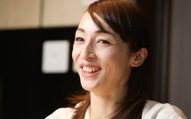 「オリンピックは心の中で終わらない。神聖なもの」と話す室伏由佳さん(2019年12月、都内のホテルで)