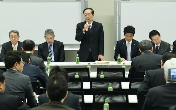 5Gの関連予算や税制支援を求め、自民党有志は企業や関係省庁に呼びかけて集会を開いた(2日、国会内)