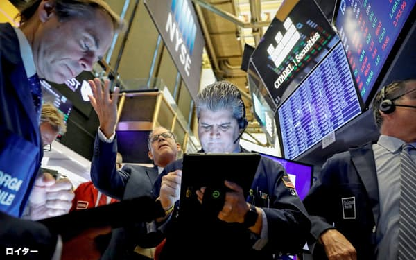 5日の米株市場でダウ平均は小幅に続伸した=ロイター