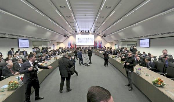 石油輸出国機構(OPEC)は5日、ウィーンで定例総会を開いた=AP