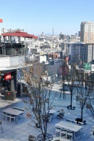 渋谷フクラスの屋上にはレストランや広場がある