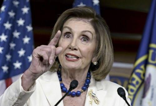 米民主党のペロシ下院議長はトランプ大統領が贈収賄行為をしたと主張したことがある(5日、ワシントン)=AP