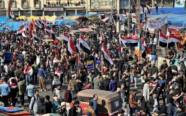 イラクではアブドルマハディ首相の辞任後も反政府デモが続く=AP