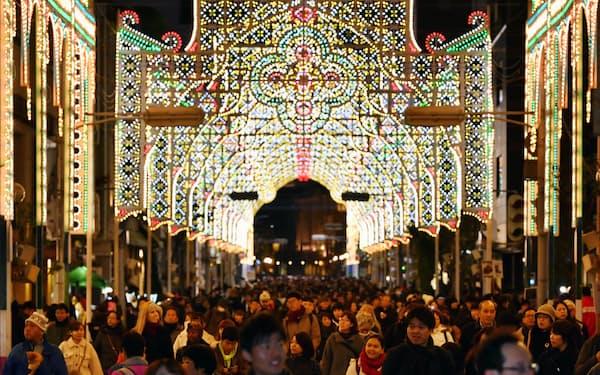 阪神大震災の鎮魂の祭典「神戸ルミナリエ」(神戸市中央区)