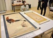 首里城南殿にあった耐火性の収蔵庫で保管されていて焼失を免れた絵画(6日午後、那覇市)=共同