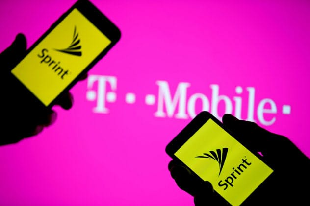 米携帯スプリントとTモバイルUSの合併可否を巡る公判は9日に始まる=ロイター