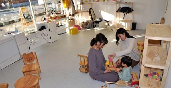 市内の子育てママたちは、子連れでも気軽に利用できるシェアオフィスの誕生を待ち望んでいた(マルーワ ニコメ、秋田県大館市)