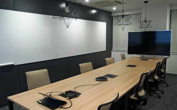 三菱UFJフィナンシャル・グループは会議室などを備えた拠点を東京・日本橋に設けた