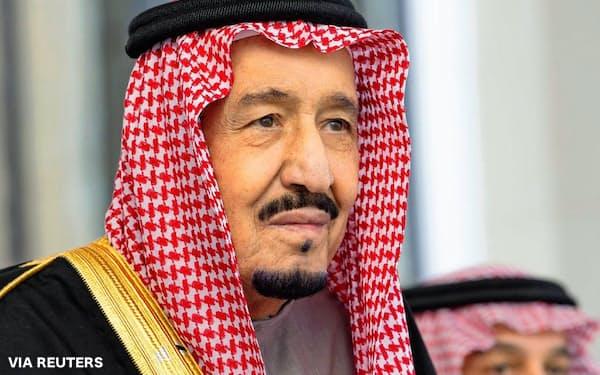 サウジアラビアのサルマン国王(11月、リヤド)=ロイター