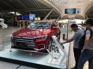 中国の新車販売は電気自動車(EV)などの落ち込みが厳しく、大手のBYDも低迷した