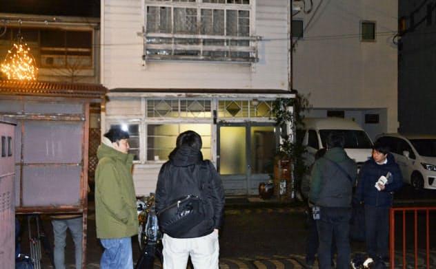 玉沢元防衛長官撃たれる 銃持ち自首の82歳を逮捕