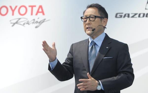 国際的に通用する身だしなみを考える上で参考にすべき経営トップとして、安積陽子さんが筆頭に挙げるトヨタ自動車の豊田章男社長