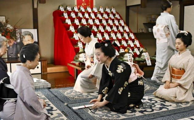 舞妓さんらも正月支度 京都の花街「事始め」