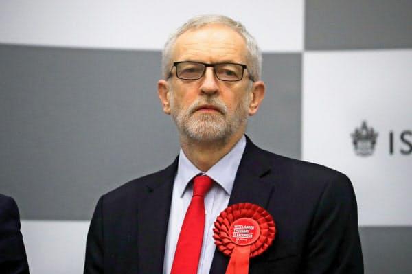 辞意を表明したコービン労働党党首=ロイター