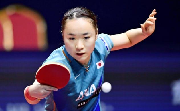 卓球・伊藤、女子単で4強 グランドファイナル